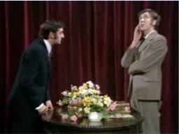 Monty Python -  Urząd Stanu Cywilnego