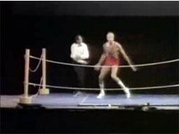 Monty Python -  Wrestling ze samym sobą