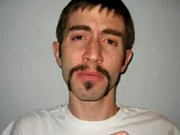 Jak wyhodować rasowe męskie wąsy?