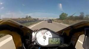 Farciarz na motocyklu
