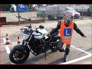 Kobieta kontra motocykl
