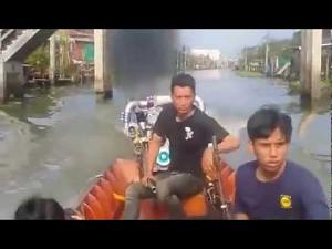 Mała łódka - duży silnik