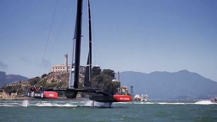 Oracle Team USA - latający katamaran