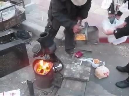 Nietypowy sposób wytwarzania popcornu w Chinach