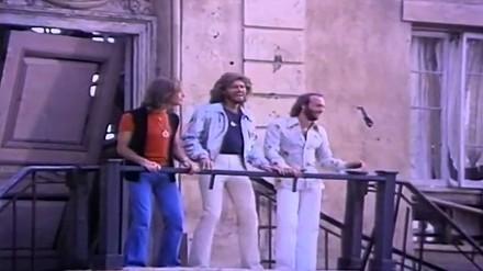 Teledysk bez muzyki: Bee Gees - Stayin' Alive