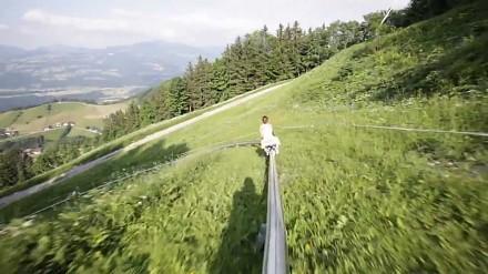 Prawdziwa, letnia kolejka górska w Aplach