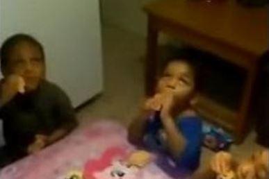"""""""Patrzcie jaki pająk"""" czyli tata postanawia postraszyć swoje dzieci"""