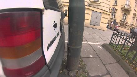 Polski mistrz parkowania na dwa palce