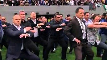 Pożegnalna haka dla zmarłego rugbysty Nowej Zelandii, legendarnego Jonaha Lomu