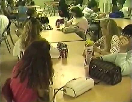 Typowy dzień w amerykańskiej szkole w... kwietniu 1990 roku