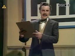 Latający Cyrk Monty Pythona - Program uprzedzenia