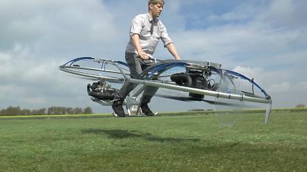Latający hoverbike domowej roboty od Colina Furze