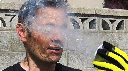 Orzeźwianie azotem, czyli co się może stać jak oblejemy twarz ciekłym azotem