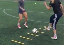 Dziewczyny tez potrafią operować piłką!