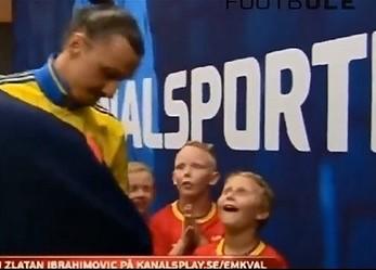 Kiedy dzieci spotykają swoich piłkarskich idoli