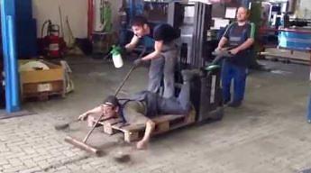 Nietuzinkowa maszyna sprzątająca