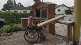 Ten facet postanowił samemu zbudować grill
