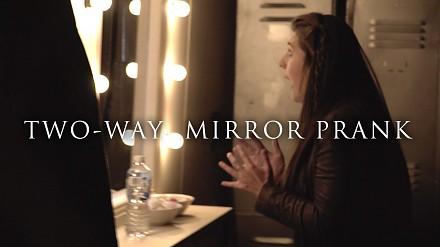 Obecność 2 - żart z lustrem