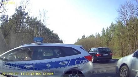 Policjant w radiowozie spowodował kolizję