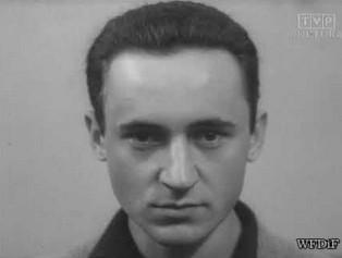 """Piotr Fronczewski jako student i utwór """"Płaszcz"""""""
