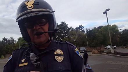 Zimnokrwisty policjant i agresywny dupek za kierownicą