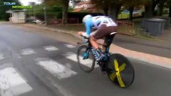 Jadąc na rowerze, trzeba uważać na progi zwalniające