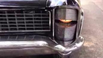 Włączanie i wyłączanie świateł w Buicku Riviera z 1965 roku