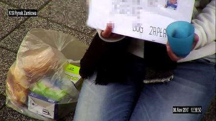 Zbiera na jedzenie na ulicy w Rybniku. Czy aby na pewno?