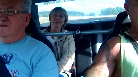 Mercedes 1000 KM. Reakcja dziewczyny i rodziców