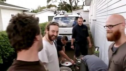 Stary, to tylko żart, napij się piwka!