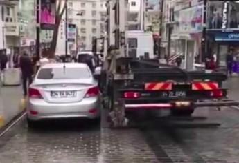 W Turcji odholowanie samochodu zajmuje mniej niż minutę