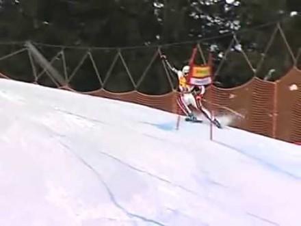 Bolesny wypadek w trakcie slalomu