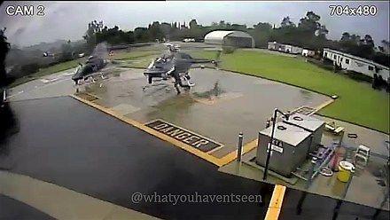 """Dwa helikoptery """"trącają"""" się wirnikami"""