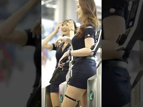 Nowe strażniczki na lotnisku w Bangkoku