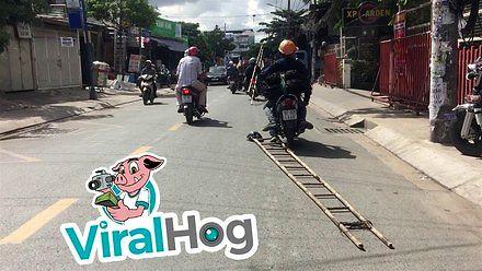 Wietnamski sposób na transport drabiny