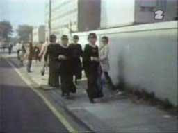 Monty Pyton - Skecz o gangu staruszek