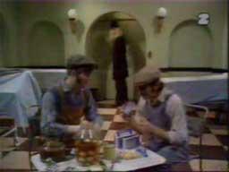 Monty Python - Skecz o kostnicy