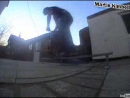 Niesamowite triki na hulajnodze