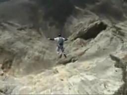 Skok w przepaść (ze spadchronem)