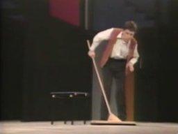 Rowan Atkinson - Ostateczne uderzenie