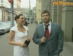 Gość ukradł mikrofon podczas wywiadu