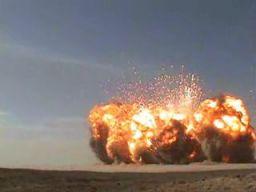 Tak wygląda wybuch 100 ton dynamitu z bliska