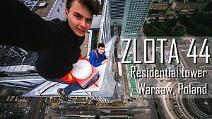 Dwóch Rosjan wspięło się bez zabezpieczeń na szczyt wieżowca Złota 44 w Warszawie