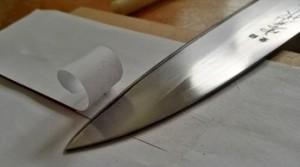 Przecinanie papieru na pół