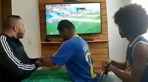 Niewidomy i głuchoniemy fan piłki nożnej