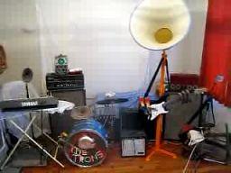 Trons - kapela grających robotów
