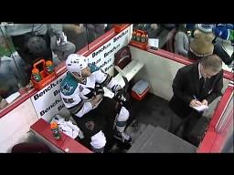 Mistrzyni drugiego planu na meczu hokeja