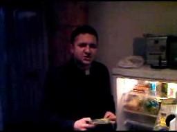 Ksiądz Natanek robi porządek w lodówce