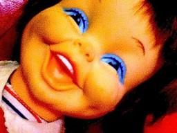 Śmiejąca się lalka + słabe baterie