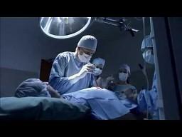Żarcik podczas operacji...